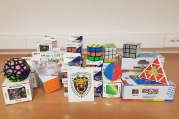 Colníci našli falzifikáty Rubikovej kocky aj pašované cigarety, Moldavec dostal nielen pokutu