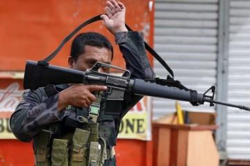 Tisícky policajtov doplatili na krvavé razie na Filipínach, dostali tresty a niektorých aj prepustili