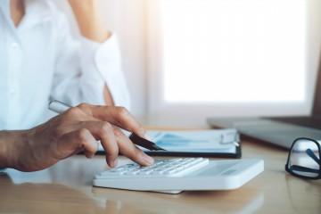 Ako hodnotíte zavedenie stropu na provízie za sprostredkovanie niektorých úverov?