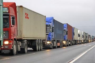 Zahraničný obchod v marci s rekordným deficitom