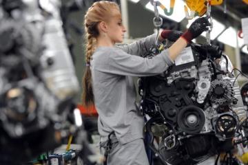Nezamestnanosť na Slovensku opäť klesla, je na historickom minime