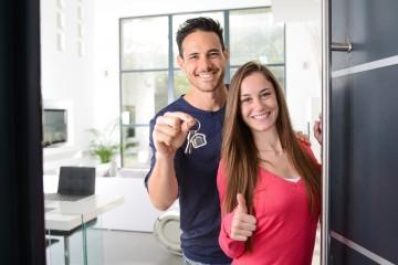 Od júla štát poskytuje výhodné mladomanželské pôžičky