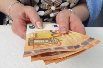 Priemerný starobný dôchodok na Slovensku je už takmer 500 eur