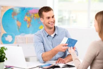 Cestovné kancelárie nedokážu uspokojiť nároky klientov na vrátenie peňazí, jediným riešením sú poukážky