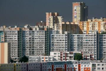 Ceny nehnuteľností určených na bývanie vzrástli medziročne skoro o desať percent