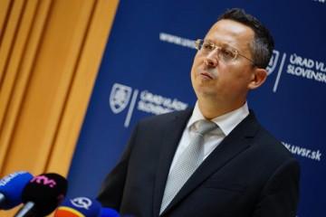 Daniari by mali odložiť pokuty pre podnikateľov za meškajúcu eKasu