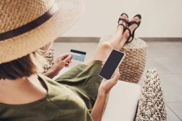 Na platbách v zahraničí sa dá ušetriť. Stačí dodržiavať jednoduché pravidlá