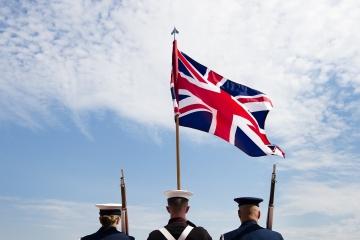 Čo bude s britskými záväzkami voči EÚ po brexite?  (Otázky a odpovede)