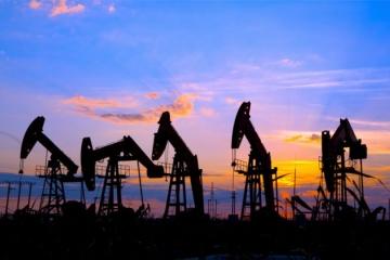 Ľahká americká ropa oslabila o 43 centov, klesla aj cena severomorskej ropy Brent