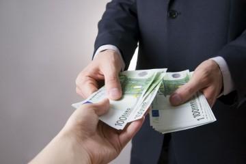 Dostupnosť hypotekárnych či spotrebiteľských úverov je od 1. januára 2020 o niečo zložitejšia.