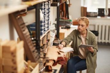Príjmy rodinných podnikov klesli o takmer 70 percent, napriek pomoci museli náklady znížiť na minimum