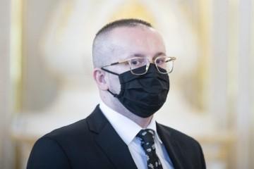 Obvinenia bývalého šéfa SIS Pčolinského boli vznesené výlučne na dôkazoch od kajúcnikov, tvrdia advokáti