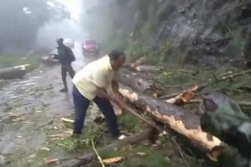 Vyčíňajúci cyklón Gaja v Indii si už vyžiadal 33 obetí