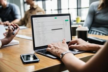 Tatra banka eviduje vyšší výskyt podozrivých e-mailov, varuje pred phishingom