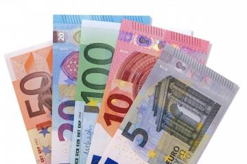 Slováci vnímajú euro pozitívne, vítajú ho aj podnikatelia