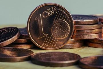 Jedno a dvojcentovky zrejme zmiznú z peňaženiek, ich používanie Slovákov obťažuje