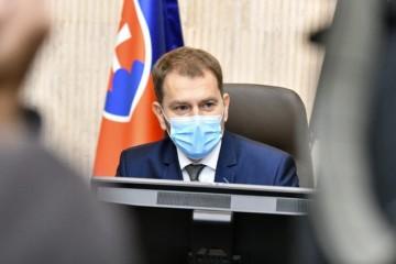 Ministri schválili podporu pre zamestnávateľov a živnostníkov počas koronakrízy, ale s pripomienkou