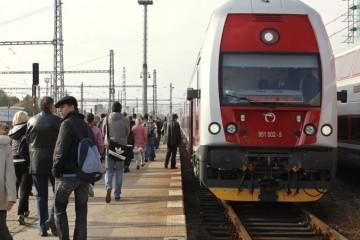 Štát naďalej rozpočtuje výdavky na bezplatnú prepravu vlakmi v objeme 13 miliónov eur