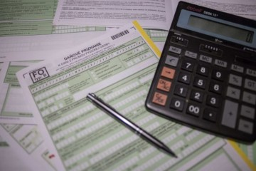Papierové daňové priznanie si môžete podať bez odkladu termínu a bez sankcií až do konca mája