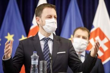 Slovensko zaostáva s ekonomickými opatreniami časovo aj objemom, tvrdia poprední odborníci