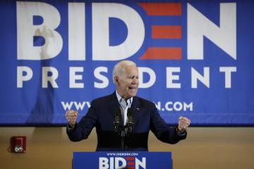 Joe Bidenbude súperom Donalda Trumpa v prezidentských voľbách v USA