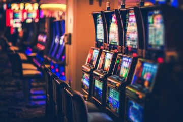 Aktualizované: Hazard na Slovensku by kontroloval nový úrad, návrh novely počíta aj s patologickými hráčmi