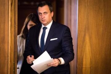 Slovensko bude kontrolovať lobing pri nákupe vojenskej techniky, Danko zrušil cestu do Švédska