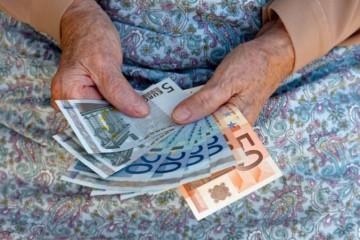 Počet starobných dôchodcov sa zvýšil, v priemere dostali viac ako 477 eur