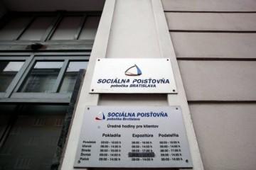 Nepriaznivý vývoj na pracovnom trhu mierne ustal, Sociálna poisťovňa evidovala nárast aj zamestnancov