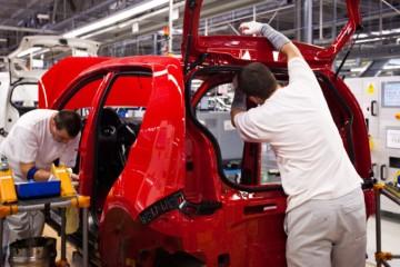 Volkswagen Slovakia vyplatí zamestnancom po trinástom plate aj štrnásty