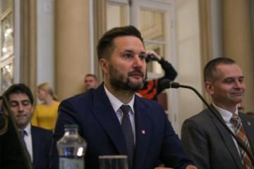 Vláda poskytne Bratislave 15-miliónov eur, hlavnému mestu odpustí aj úver