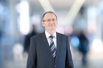 Oliver Borko: Každoročné vzdelávanie agentov podporujem, opakované skúšky sú zbytočné
